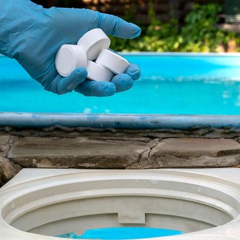 כימיקלים לבריכות שחייה